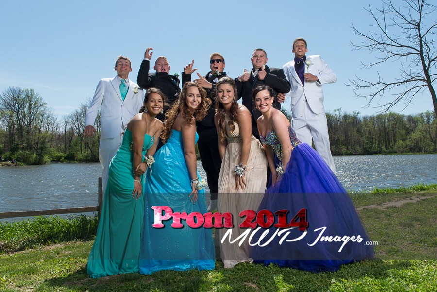prom photography ideas group shot guys jumping